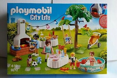 Playmobil 9272 City lIfe Housewarming Garden Party (with light-up bunting) -BNIB