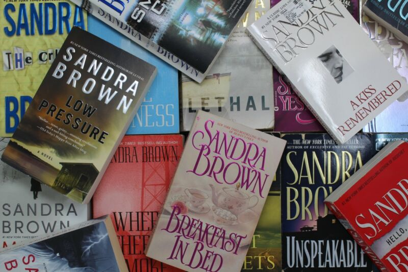 Lot of 5 Sandra Brown Romantic Suspense Mass Market Paperback Books MIX
