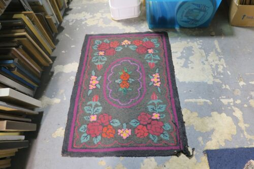 Antique American Primitive Hand Made Wool Hooked Rug 2