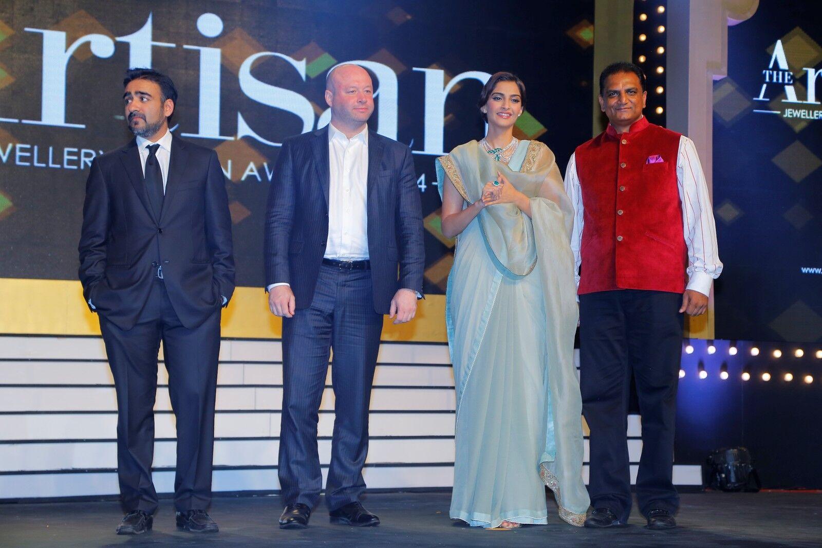 Jewel Goldi (SRK)