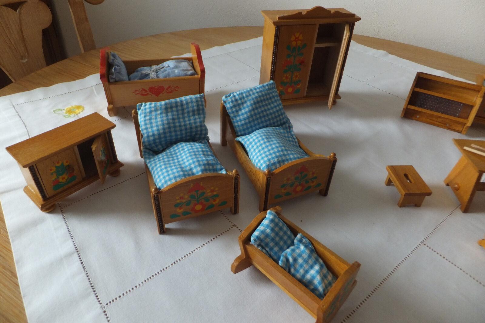 puppenstuben m bel esszimmer und schlafzimmer massivholz bestehend aus 12 teile eur 100 00. Black Bedroom Furniture Sets. Home Design Ideas