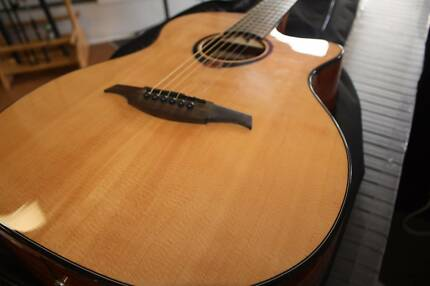 LAG Tramontane T80ACE semi-acoustic guitar