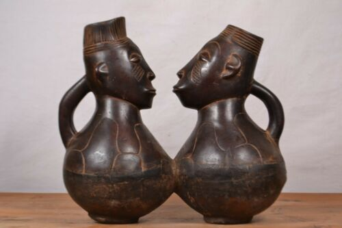 African tribal art,mangbetu  couple box from Northern Congo (Zaire)