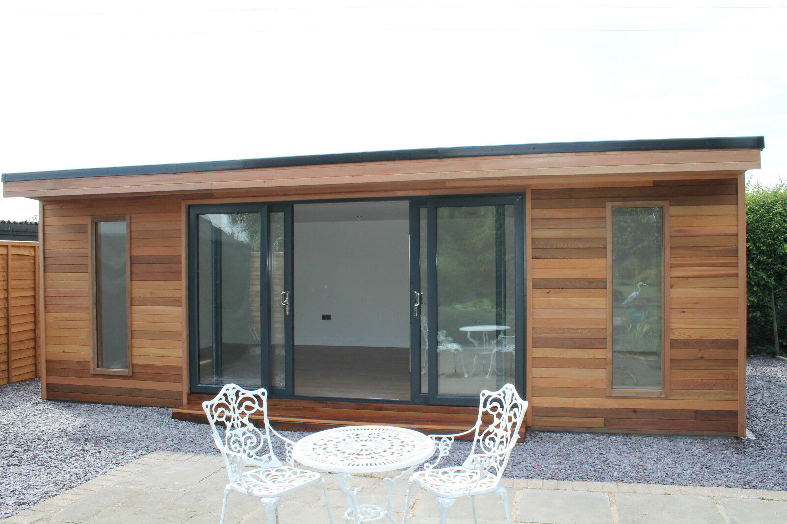 Garden Room / Home Office / Studio / Summer House / Log Cabin / Chalet. Full resolution  picture, nominally Width 1600 Height 1066 pixels, picture with #6C4735.
