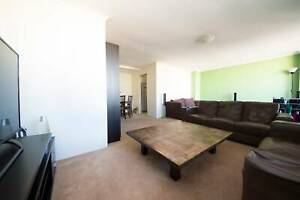 FLATSHARE LOOKING FOR 1 MALE ROOMMATE
