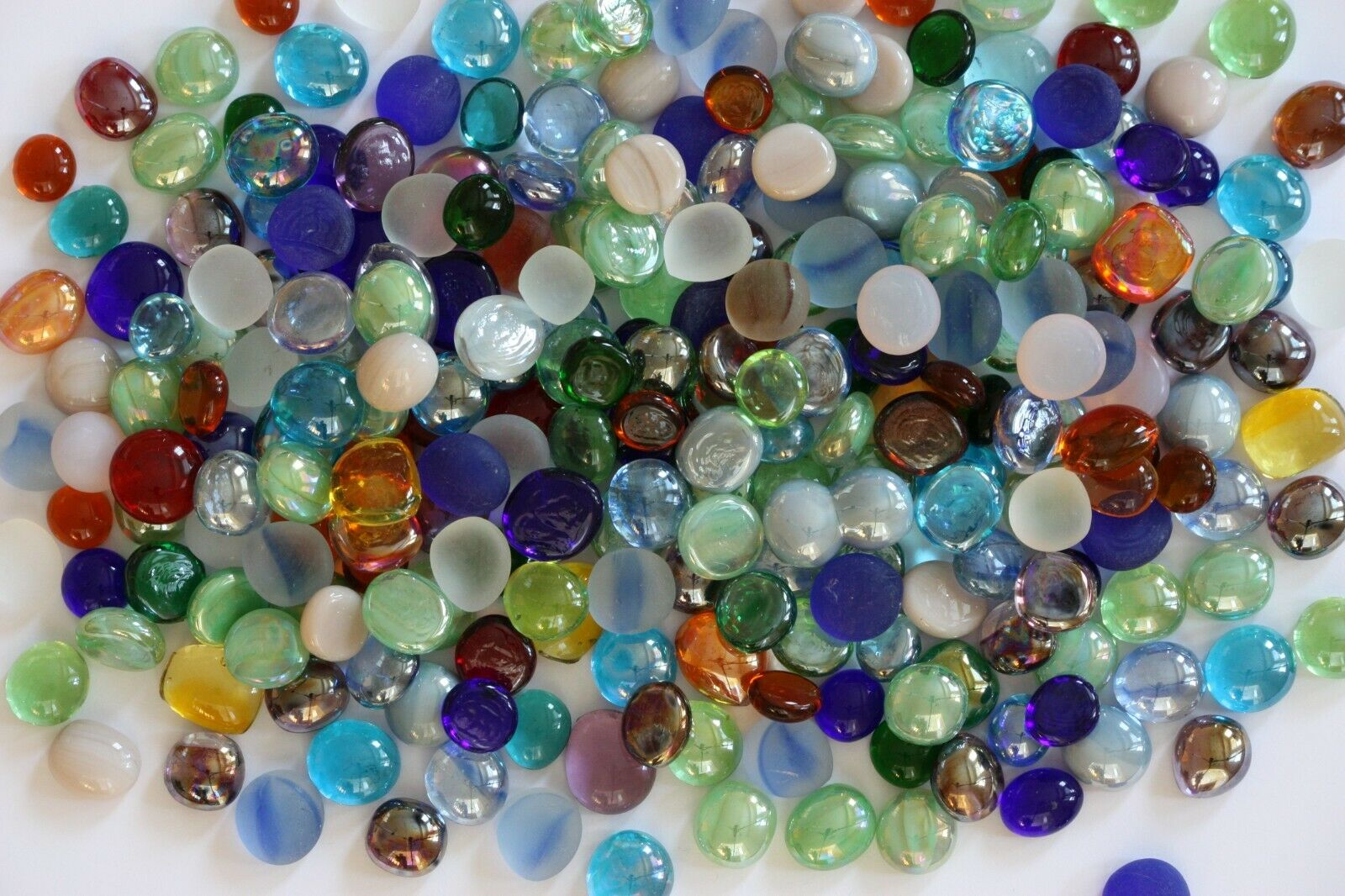 как выглядит 550 Pcs Mixed Color Glass Gems, Pebbles, Mosaic Tiles, Nuggets фото