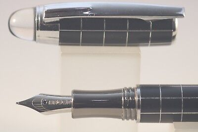 Baoer No. 79 Fine Fountain Pen, Black Chequered with Chrome Trim