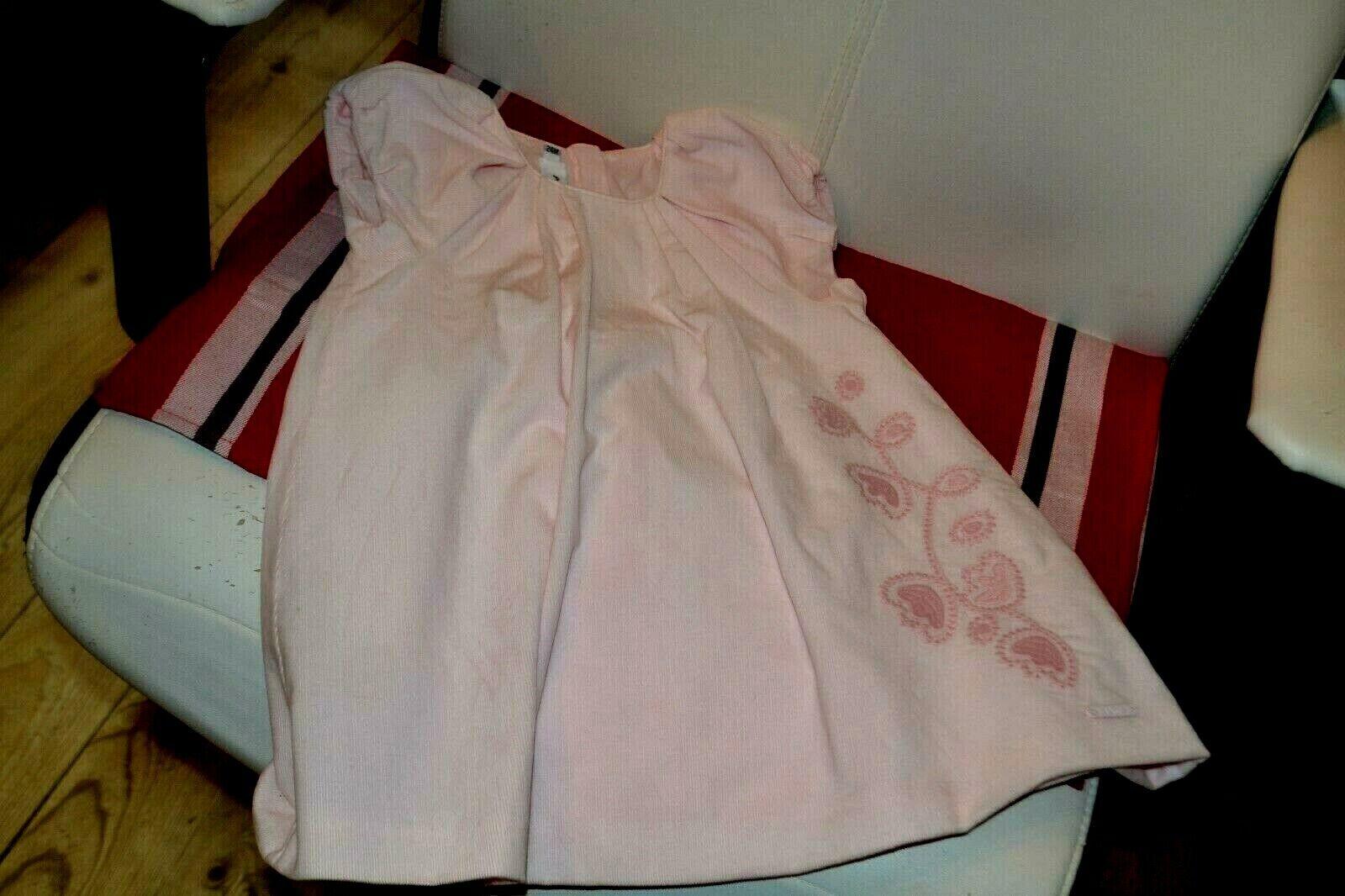 Robe baby dior 2 ans rose tendre fleurs sur le cote etat neuf**