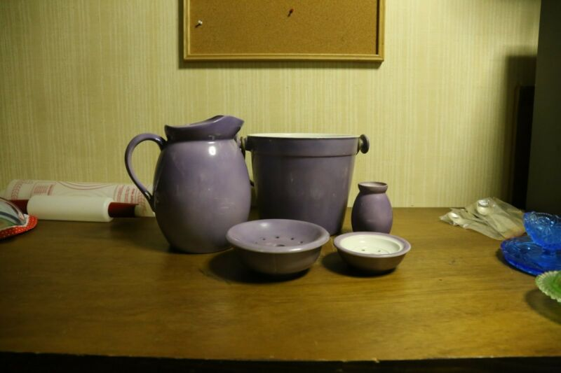VTG Purple Ironstone Chamber Pot set England (1960