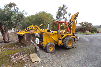 Case 580D Loader / Backhoe