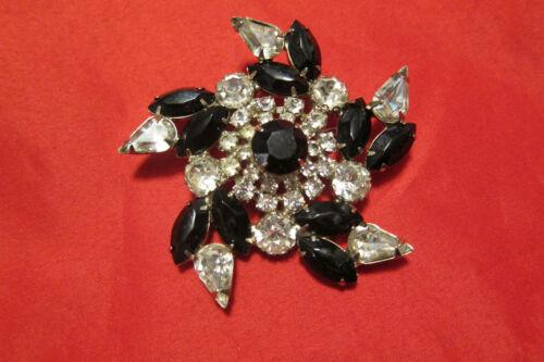 Vintage Juliana  Black/Clear Rhinestones Very Pretty Star/Flower Brooch/Pin