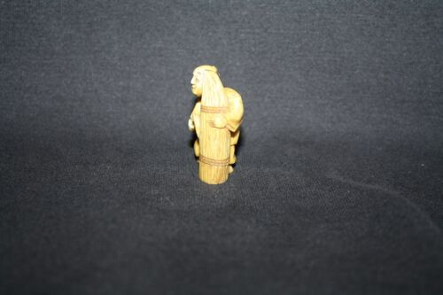 NETSUKE MAN CARVING WOOD FIGURINE