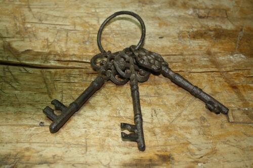 Set of 3 CAST IRON JAIL Keys House RUSTIC WESTERN CHURCH Key Ring Lock SKELETON