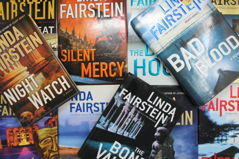 Lot of 5 Linda Fairstein Mystery Hardcover Books MIX