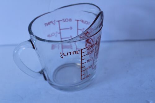 Anchor Hocking Oven Basics 496, D Handle, Measuring Cup, Red Lettering