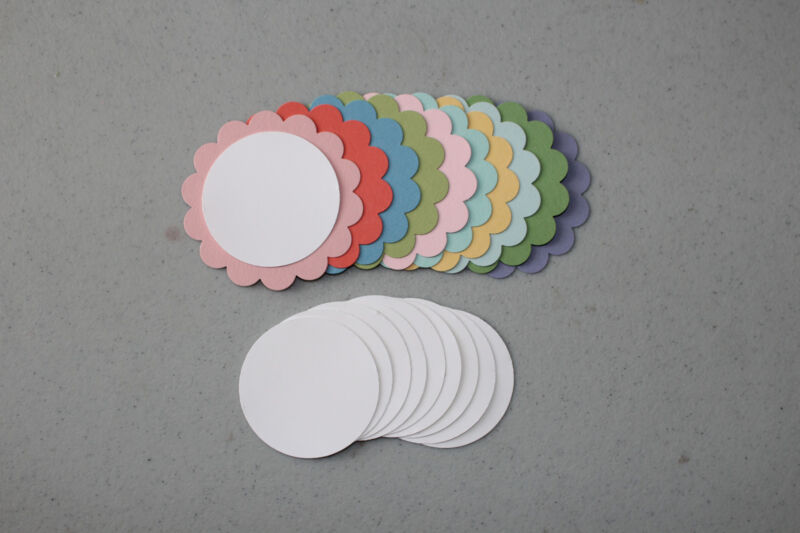 Stampin' Up New Subtles Scallop Circle/Circle Punch 20