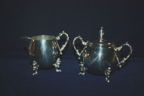 VINTAGE SHERIDAN SILVER ON COPPER CREAMER AND SUGAR BOWL WITH LID