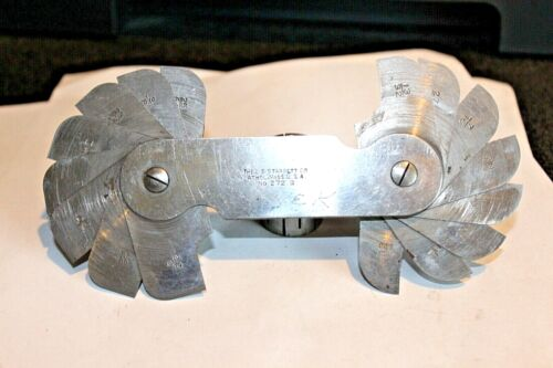 STARRETT NO.272B FILLET OR RADIUS GAGE, INCH READING 16 LEAVES - 9/32-33/64 IN
