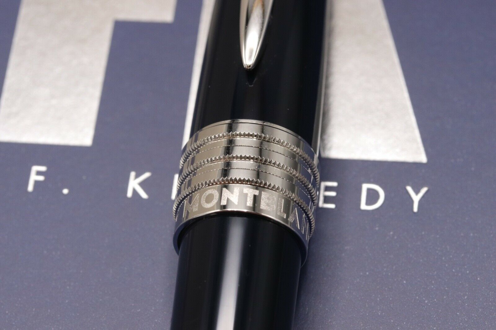 Montblanc Great Characters JFK Blue Special Edition Fountain Pen - UNUSED 4