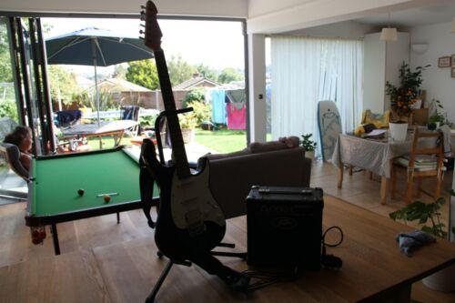 Peavey Raptor Exp Electric guitar w. 26W Amplifier, Strap & Stand Kingston, Glos