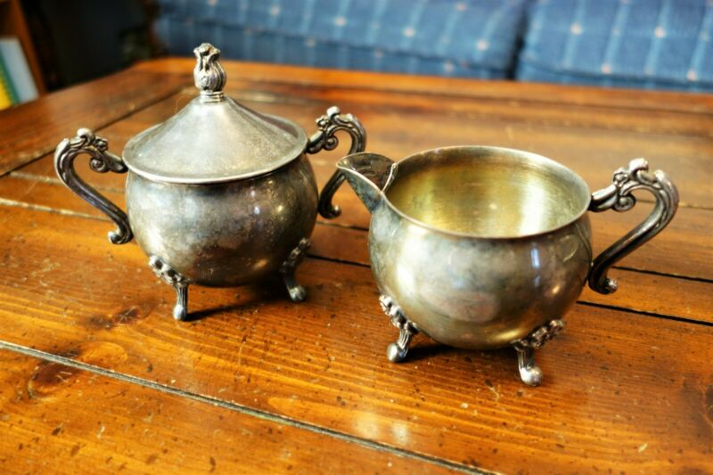 VINTAGE LEONARD SILVERPLATE CREAMER AND SUGAR BOWL WITH LID