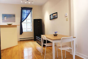 Beautiful 3 Bedroom townhouse next to Concordia. All included