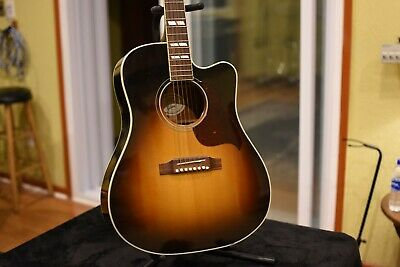 Gibson Songwriter Hummingbird Pro Acoustic/Electric Guitar