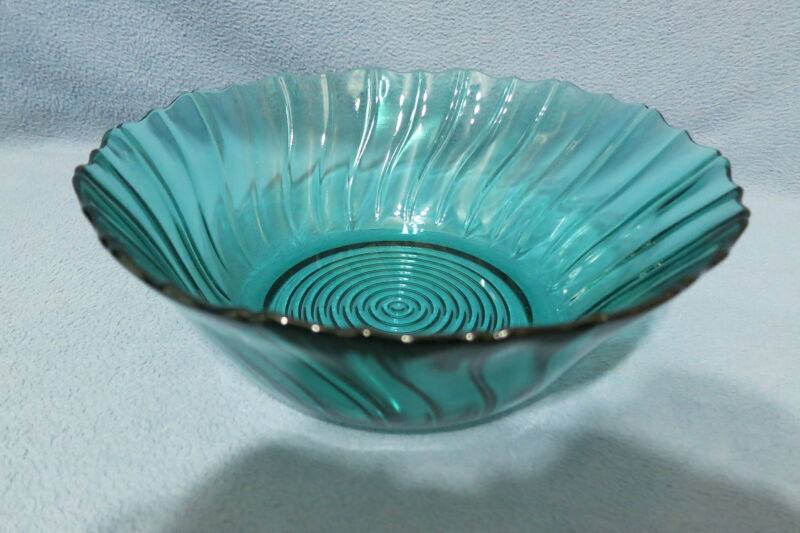 Vintage Jeannette Glass Petal Swirl Serving or Salad Bowl Ultra Marine 1937-1938
