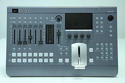 Sony MCS-8M  Kompakter 2D/3D-SD/HD-Audio- und Videomischer / Switcher