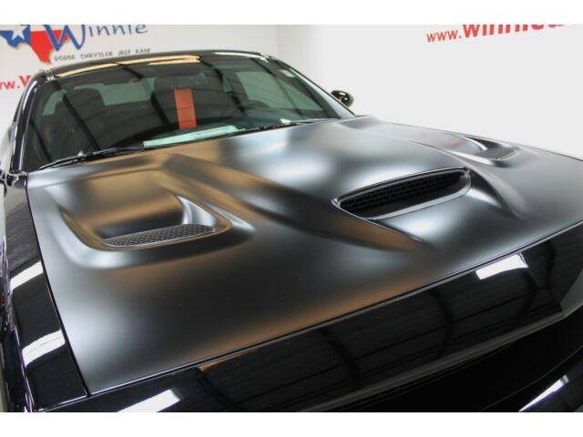 Imagen 1 de Dodge Challenger black