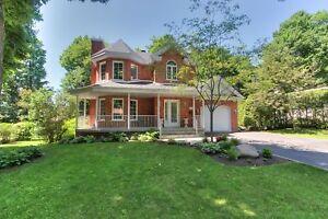 Maison - à vendre - Mont-Saint-Hilaire - 12945540