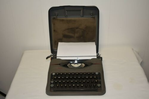 Hermes Rocket Portable Manual Typewriter - Switzerland with hard case