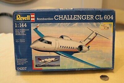 REVELL 04207 BOMBARDIER CHALLENGER CL604.VINTAGE MODEL KIT FROM@2003 .SEALED LIT