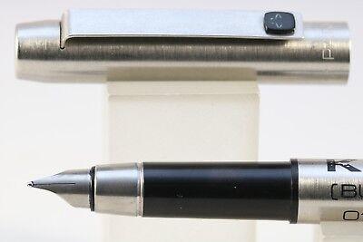 Vintage (1982) Parker 25 Medium Fountain Pen with Black Trim