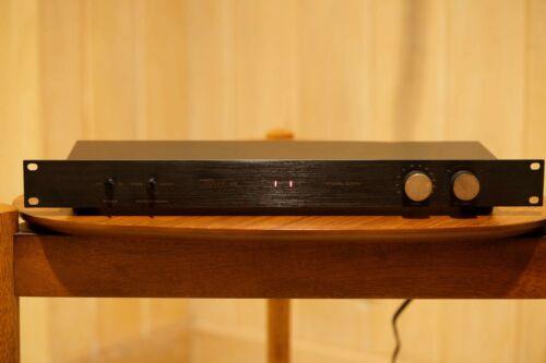 Magnum Dynalab 205 FM Signal Sleuth Tuner Amplifier