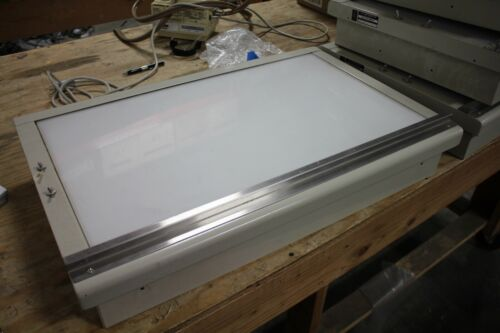 S&S 242GT  X-RAY VIEW BOX X-RAY FILM ILLUMINATOR