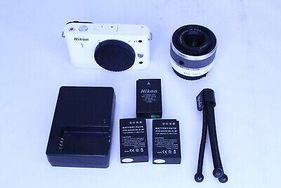 Nikon 1 J1 10.1MP Digital Camera White VR 10-30mm Lens Battery Charger