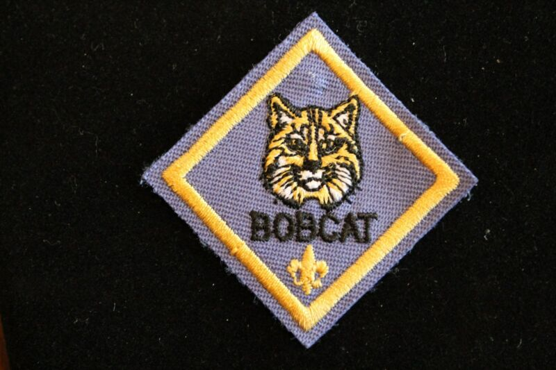 CUB SCOUT BOBCAT RANK PATCH - AWARD MERIT ADVANCEMENT - OFFICIAL BOY SCOUT - BSA