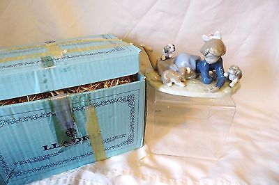 """LLADRO PORCELAIN FIGURINE #5594 """"PLAYFUL ROMP"""" GIRL WITH PUPPIES w/BOX"""