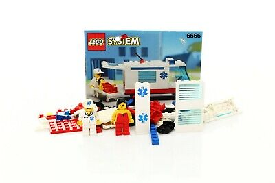 Lego Classic Town Hospital Set 6666 Ambulance 100% complete + instructions 1994