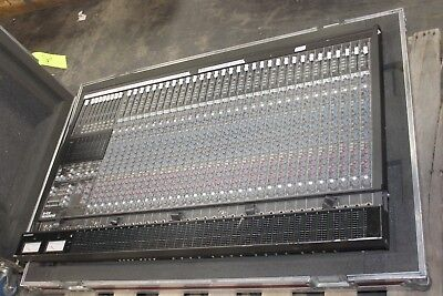 Mackie 8 Bus - Mackie 32-8 8-Bus 32 Professional Analog Channel Mixing Console w/ CASE