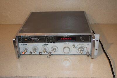 Hp Hewlett Packard 8640b Signal Generator Uuw