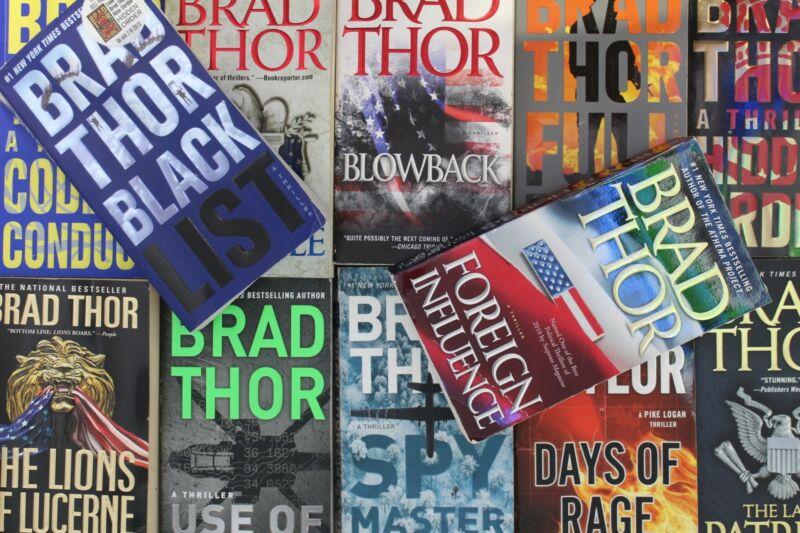 Lot of 5 Brad Thor Thriller Mass Market Paperback Books MIX