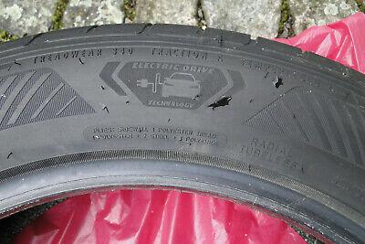 Sommer-Reifen - 215-55R18-95T- original iD3 - fast neu