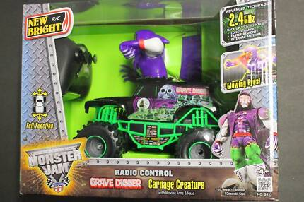 Remote Control Monster Truck GRAVE DIGGER 1:24 Scale - New in Box