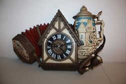 Vintage1974 New Haven Burwood Wall Clock Bavarian Squeeze Box Beer Stein EUC