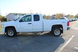 Chevrolet Silverado 1500 4 roues motrices, cabine allongée, 143,