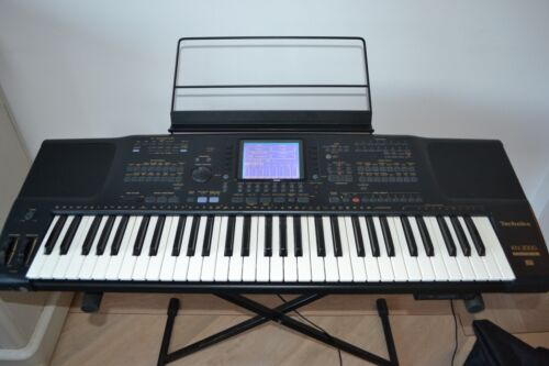 Technics KN 2000 PCM Keyboard