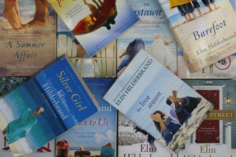Lot of 5 Elin Hilderbrand Romance Paperback Books MIX