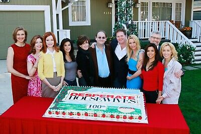 DESPERATE HOUSEWIVES - TV SHOW PHOTO #23 - CAST PHOTO